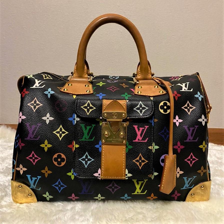 Брендовые сумки: кому можно их продать?
