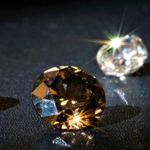 Где продать бриллиант – украшение, которое любит точную оценку